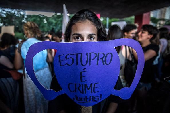 Manifestantes na Avenida Paulista protestam contra o estupro e pelos direitos das mulheres (Foto: Cris Faga/NurPhoto via Getty Images)