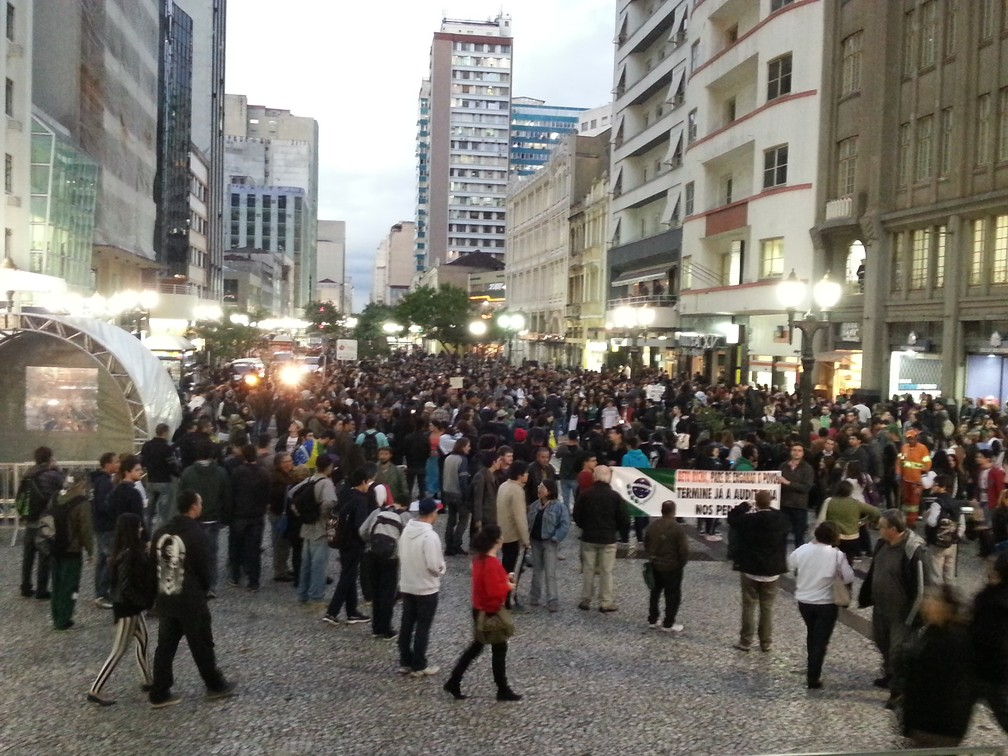 Grupo pede redução do preço da passagem de ônibus em 2013 — Foto: Fernanda Fraga/ÓTV