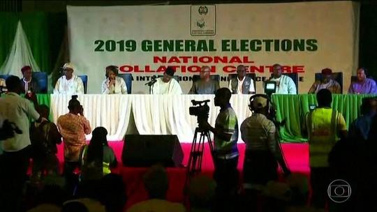 Políticos e eleitores criticam adiamento de eleições na Nigéria
