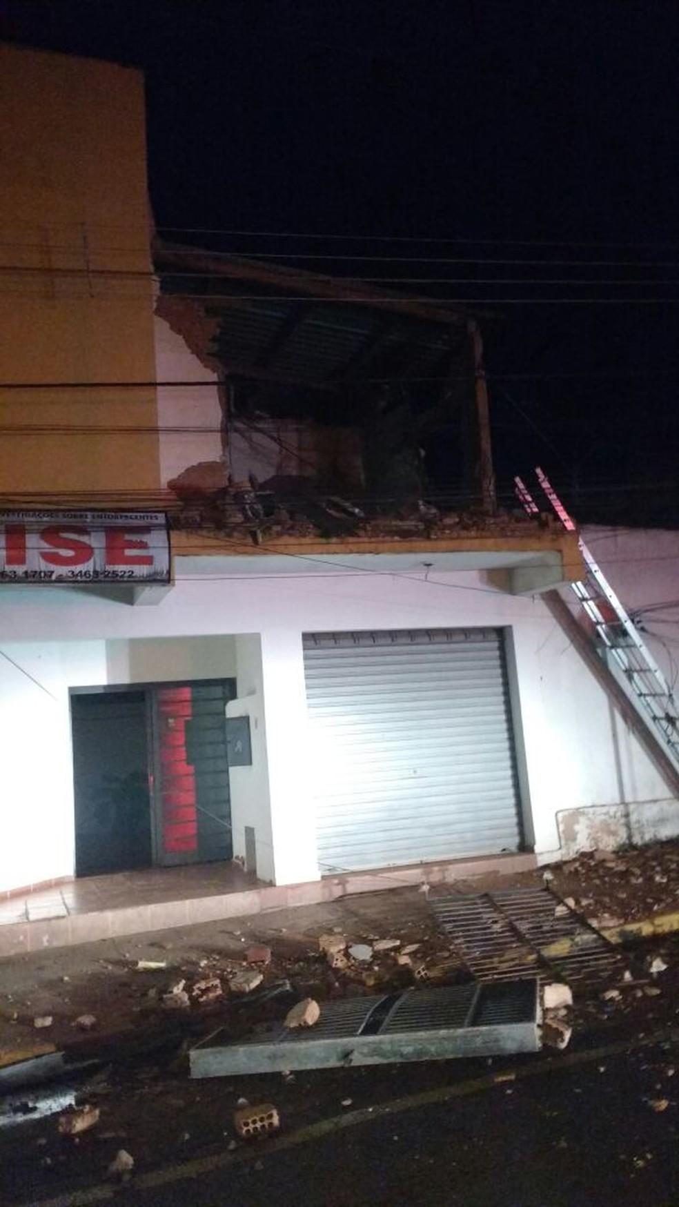 Sede da Dise em Fernandópolis ficou destruída após a explosão  (Foto: Arquivo Pessoal)