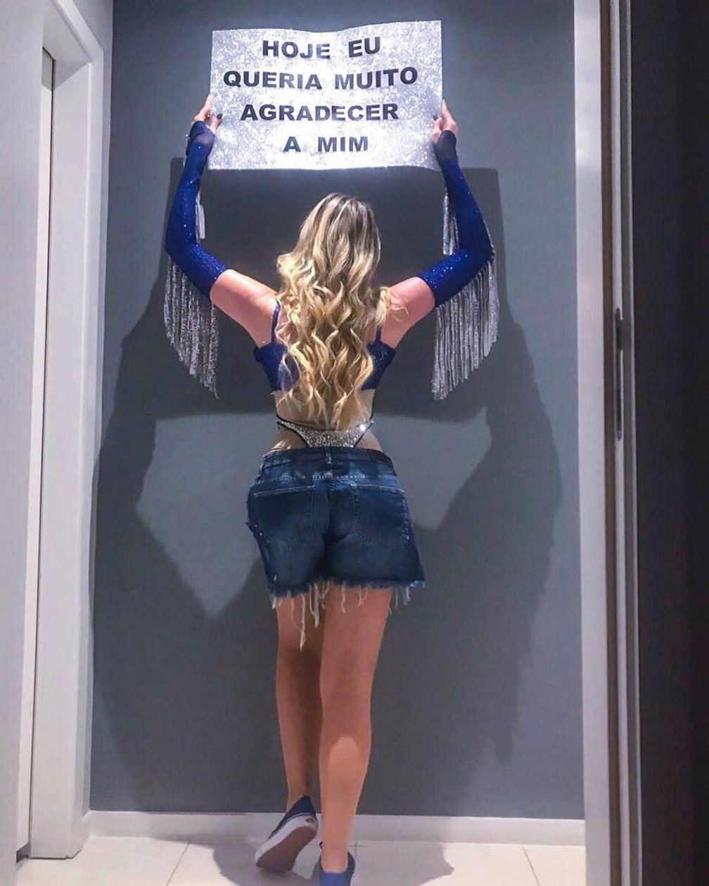 Dani Calabresa brincou com frase de Anitta no Rock in Rio e foi com produção inspirada no look da cantora em festa de Halloween — Foto: Reprodução/Instagram/DaniCalabresa