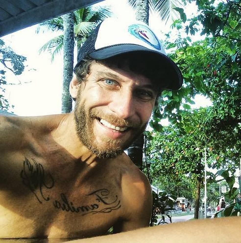 Christian Fernando Silva, 43, foi morto após ser agredido pelo vizinho, em Santos, SP — Foto: Reprodução/Facebook