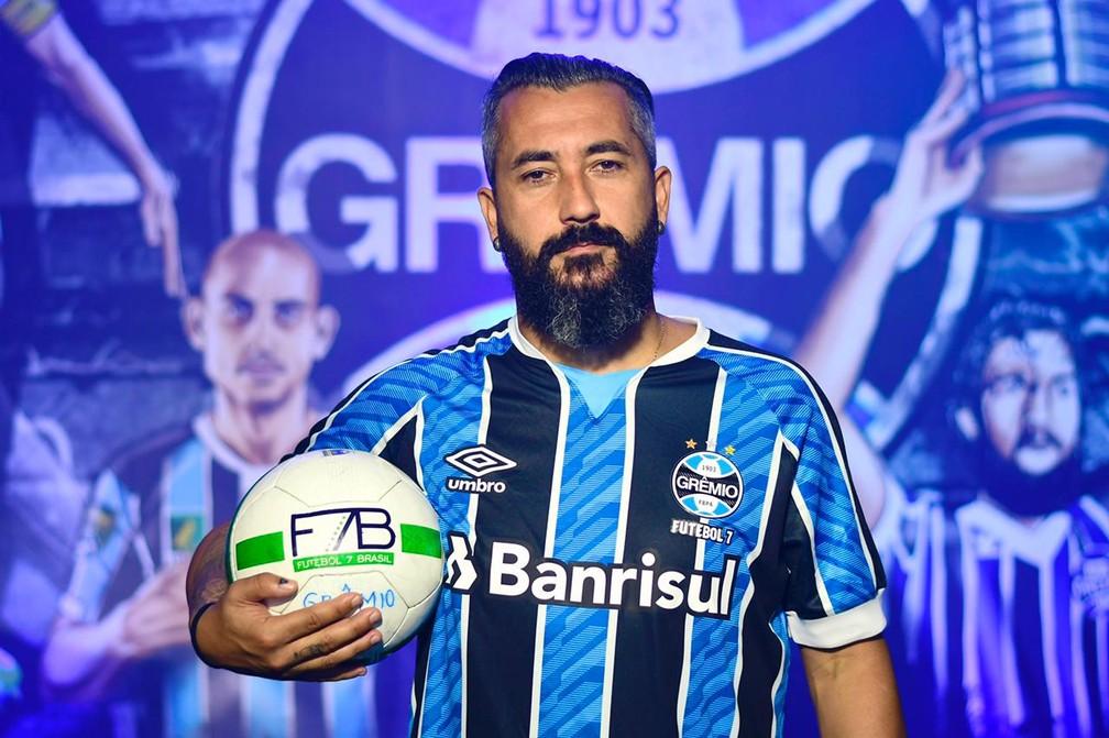 Douglas volta ao Grêmio para jogar no time de futebol 7 — Foto: Luciano Maciel / Grêmio Futebol 7