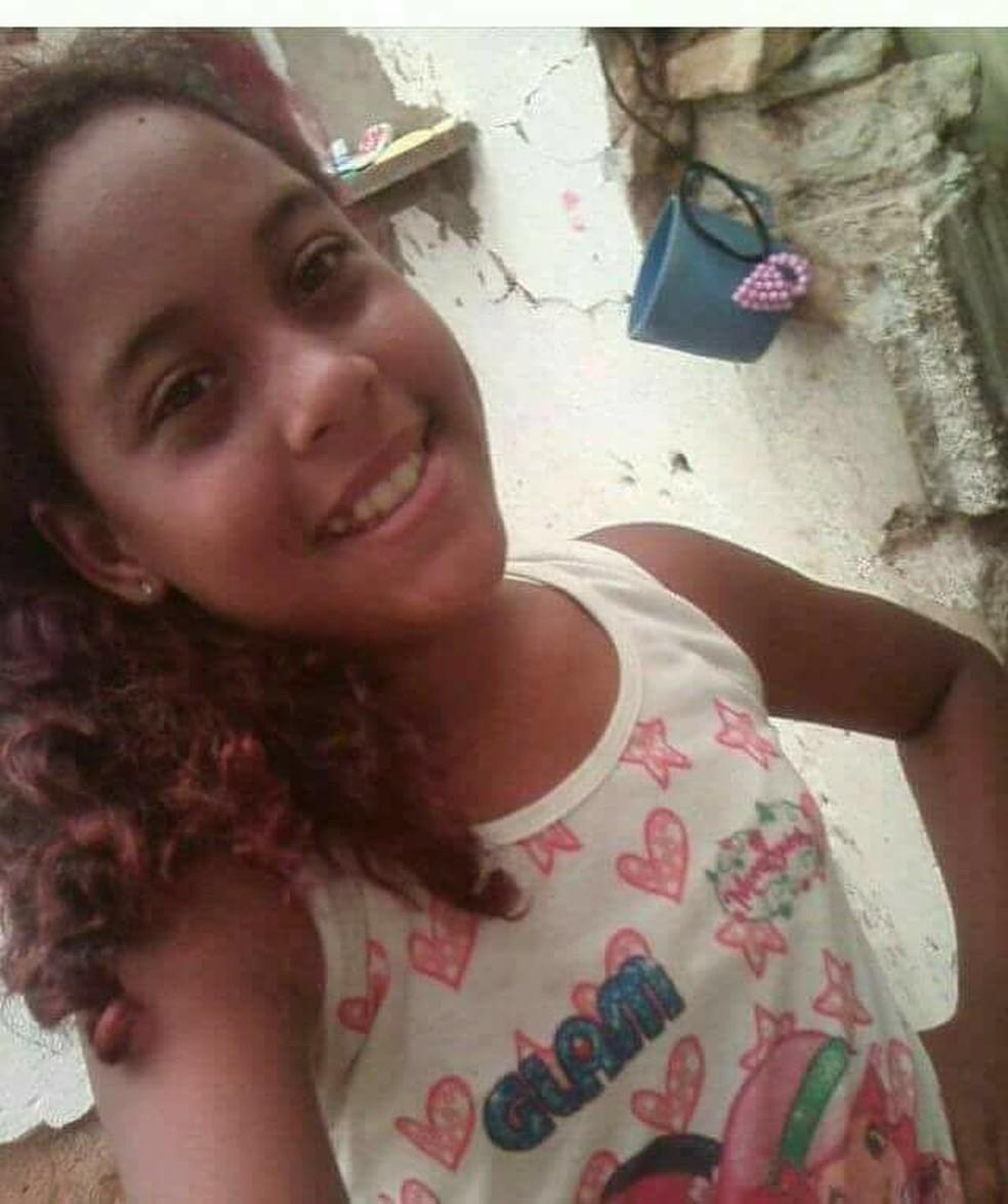 Yasmin Lorena de Araújo, de 12 anos, desapareceu no dia 28 de março (Foto: Arquivo da Família/cedida)