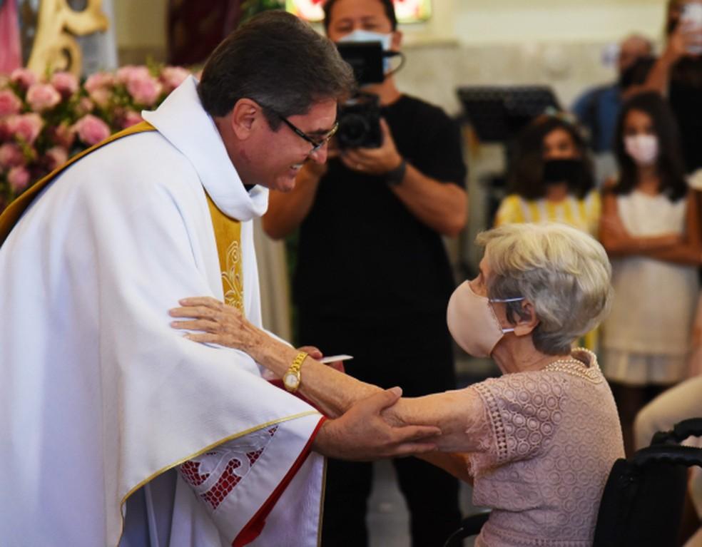 Missa de ação de graças foi celebrada em comemoração ao aniversário dela — Foto: Gustavo Duarte/Prefeitura de Cuiabá