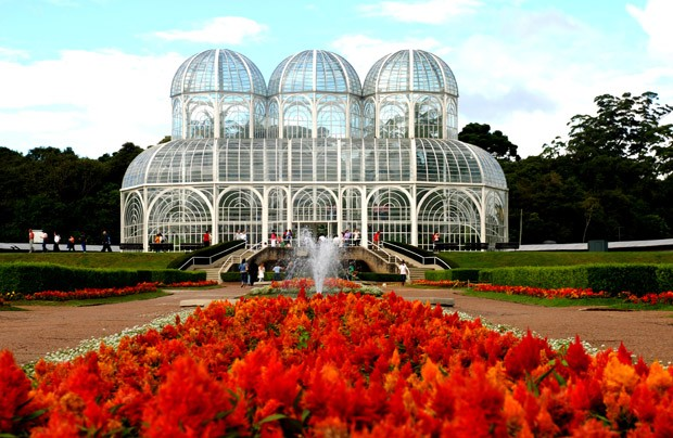 Botanical garden in Curitiba in spring and its flowers. (Foto: Getty Images)