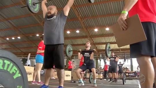 Campeonato de Crossfit exige o máximo de esforço dos competidores
