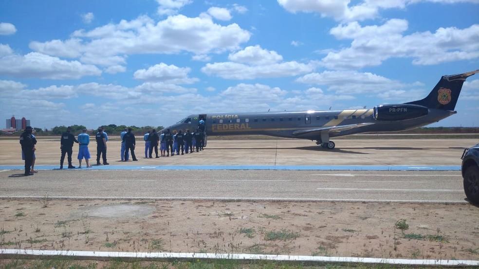 Transferência aconteceu sob forte esquema de segurança em Mossoró — Foto: Hugo Andrade/Inter TV Cabugi