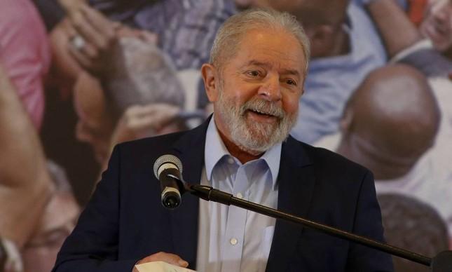 x-presidente Lula em discurso no Sindicato dos Metalúrgicos do ABC, em São Bernardo do Campo