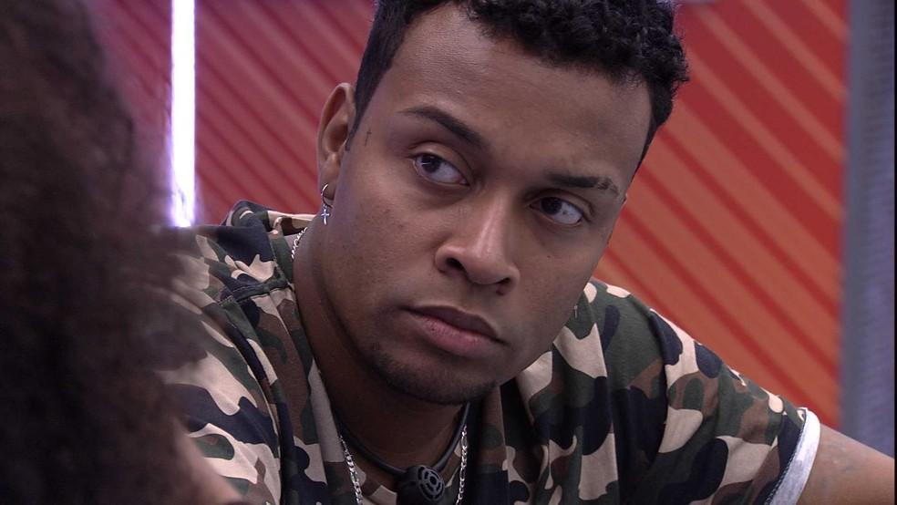 Nego Di aponta brothers que lhe darão trabalho no BBB21: 'Arthur e Projota' — Foto: Globo