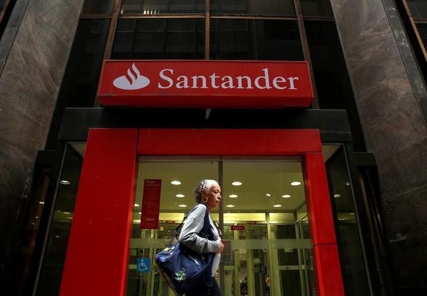 Agência do Banco Santander no centro do Rio de Janeiro (Foto: Pilar Olivares/Reuters)