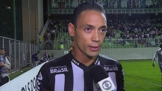 """Ricardo Oliveira lamenta vacilo no gol do Inter: """"Desatenção que custou os três pontos"""""""