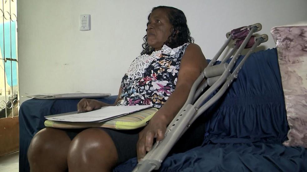 Ana Lúcia espera por cirurgia — Foto: Roberto Pratti/ TV Gazeta