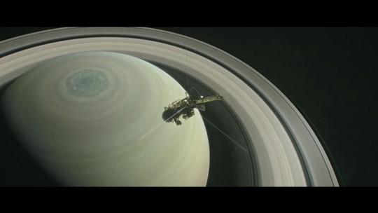Lua de Saturno tem cânions que expelem água e é uma das preferidas dos cientistas