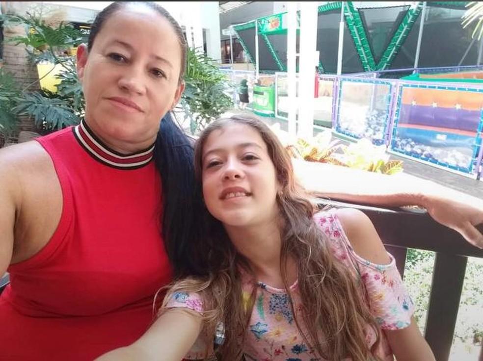Mãe e filha foram mortas a facadas dentro de casa — Foto: Arquivo pessoal