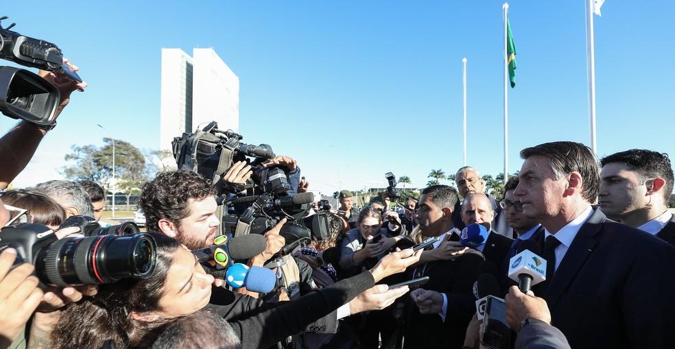 O presidente Jair Bolsonaro durante entrevista no Palácio do Planalto na manhã desta terça-feira (18) — Foto: Marcos Corrêa/Presidência da República