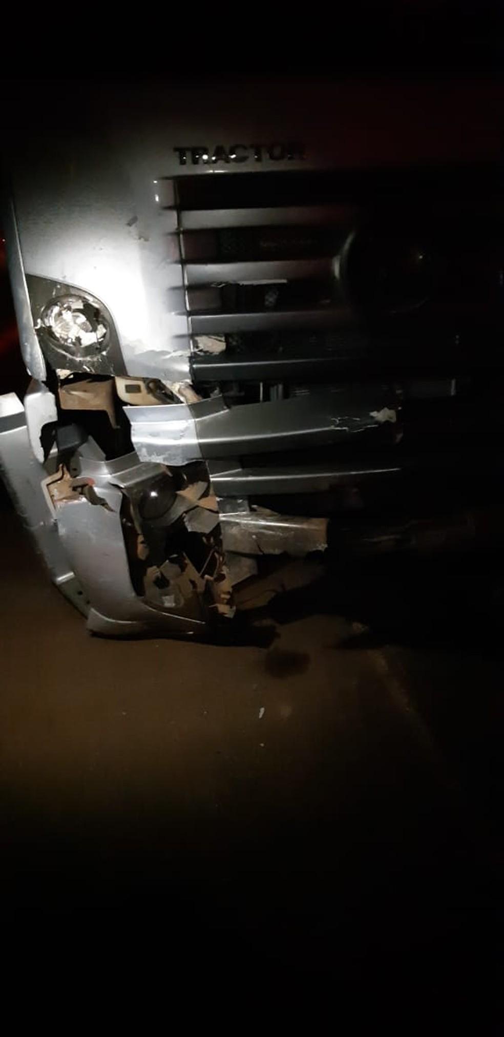Caminhão que se envolveu em acidente na BR-267 — Foto: PRF/Divulgação