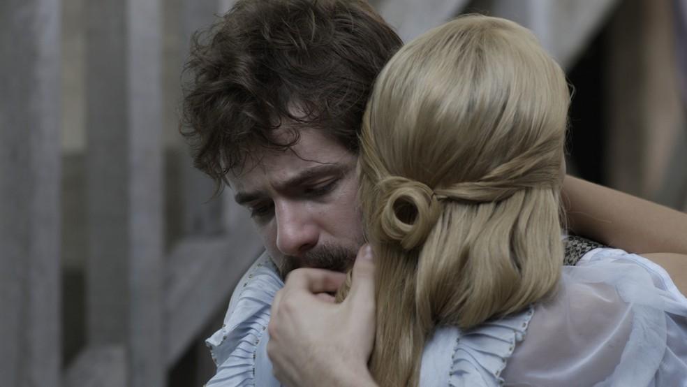 Ele conta com o apoio de Jane para enfrentar todas as dificuldades que surgem ? (Foto: TV Globo)