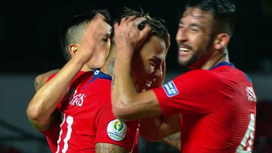 Após dois gols, Vargas se torna vice-artilheiro do Chile e o maior em atividade na Copa América
