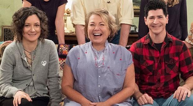 Sara Gilbert, Roseanne Barr e Michael Fishman, da série Roseanne (Foto: Divulgação/ABC)