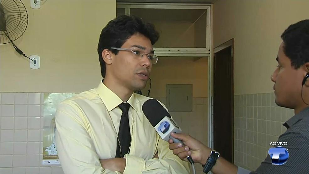 -  Delegado Tiago Mendes quer ver posição de botões de acionamento da cabine de comando do empurrador  Foto: Reprodução/TV Tapajós