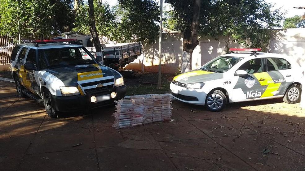 Droga estava escondida dentro de um tanque de combustível (Foto: Polícia Militar Rodoviária/Divulgação)