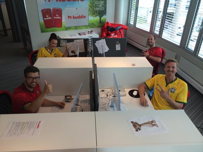 Equipe do Kuddle celebra versão em português do 'Instagram para crianças' (Foto: Reprodução/Facebook/Kuddle)
