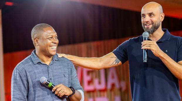 Sandro Gomes e Diogo Melo durante lançamento da Cacildis, em Curitiba (Foto: Divulgação)