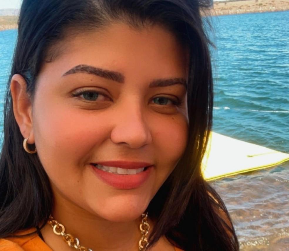 Empresária Ana Cláudia Flor, viúva do empresário Toni da Silva Flor, de 37 anos, assassinado em agosto de 2020, foi presa em Cuiabá — Foto: Divulgação