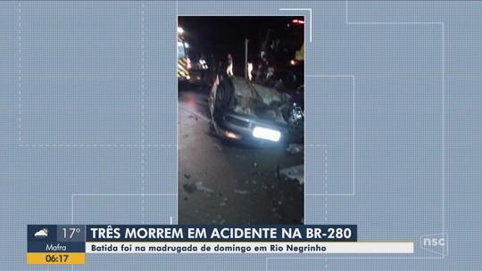 Três pessoas morrem em acidente na BR-280 em Rio Negrinho