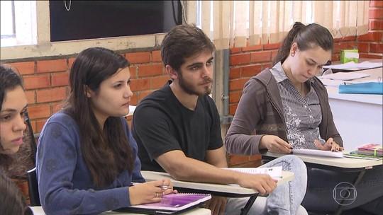 Ciência sem Fronteiras terá 5 mil bolsas apenas para pós e mantém fim do intercâmbio na graduação