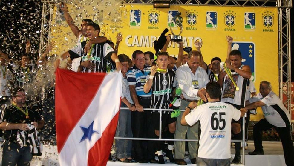 São Raimundo conquistou a Série D do Brasileiro de 2009  — Foto: (Foto: Marcelo Seabra/O Liberal)