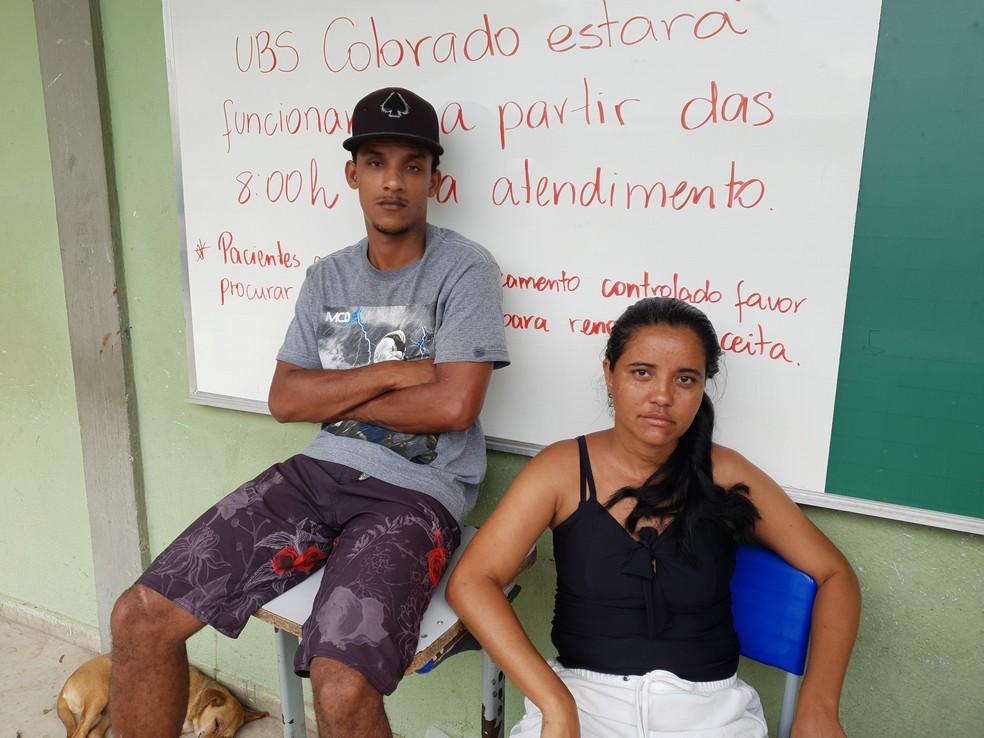 Veridiana Ribeiro e o sobrinho Ítalo Patrick estão abrigados na Escola Estadual Lígia Maria de Magalhães, no Colorado — Foto: Gabriela Sarmento/G1