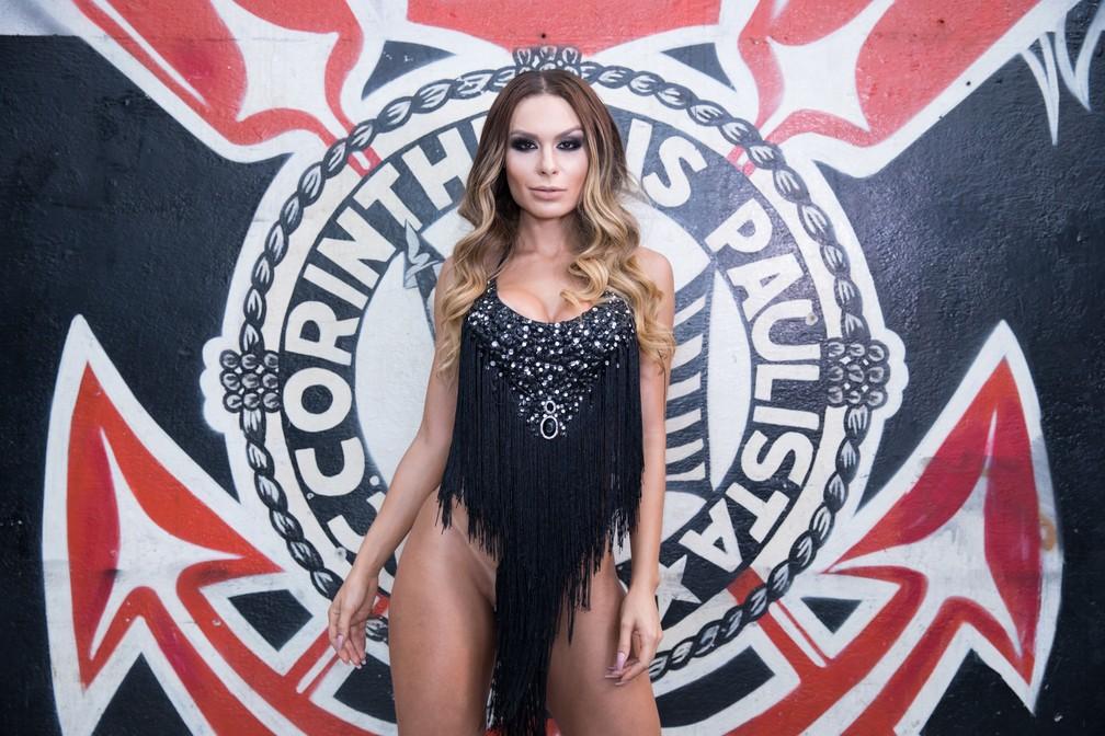 Fernanda Lacerda tem 29 anos e é musa da escola de samba Gaviões da Fiel. (Foto: Celso Tavares/G1)