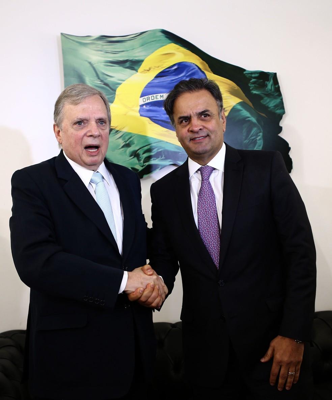 Tasso Jereissati e Aécio Neves durante a coletiva de imprensa no Senado (Foto: Wilton Junior, Estadão Conteúdo)