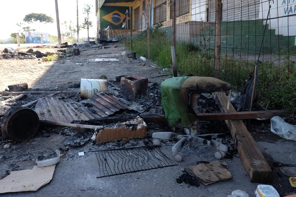 Rastro de destruição é visto pelas ruas de Pacaraima, ao Norte de Roraima (Foto: Inaê Brandão/G1 RR)