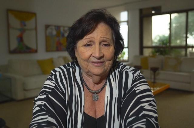 Dona Déa, mãe de Paulo Gustavo, em entrevista ao 'Fantástico' (Foto: Reprodução)