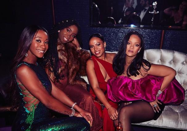 Rihanna e suas BFFs (Foto: Instagram/Reprodução)