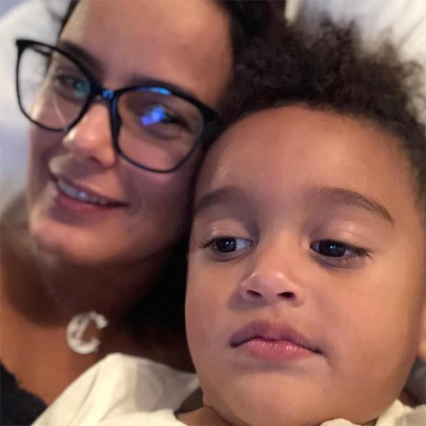 Luciele Di Camargo e o filho, Davi (Foto: Reprodução / Instagram)