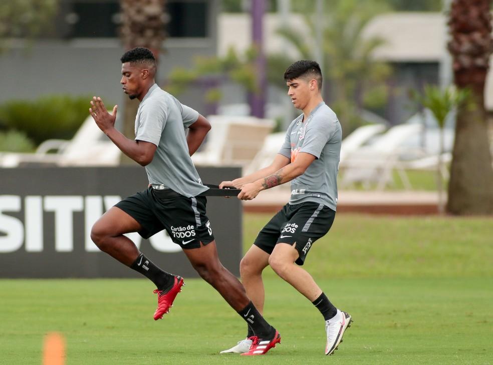 Jemerson e Araos em treino do Corinthians — Foto: Rodrigo Coca/Ag. Corinthians