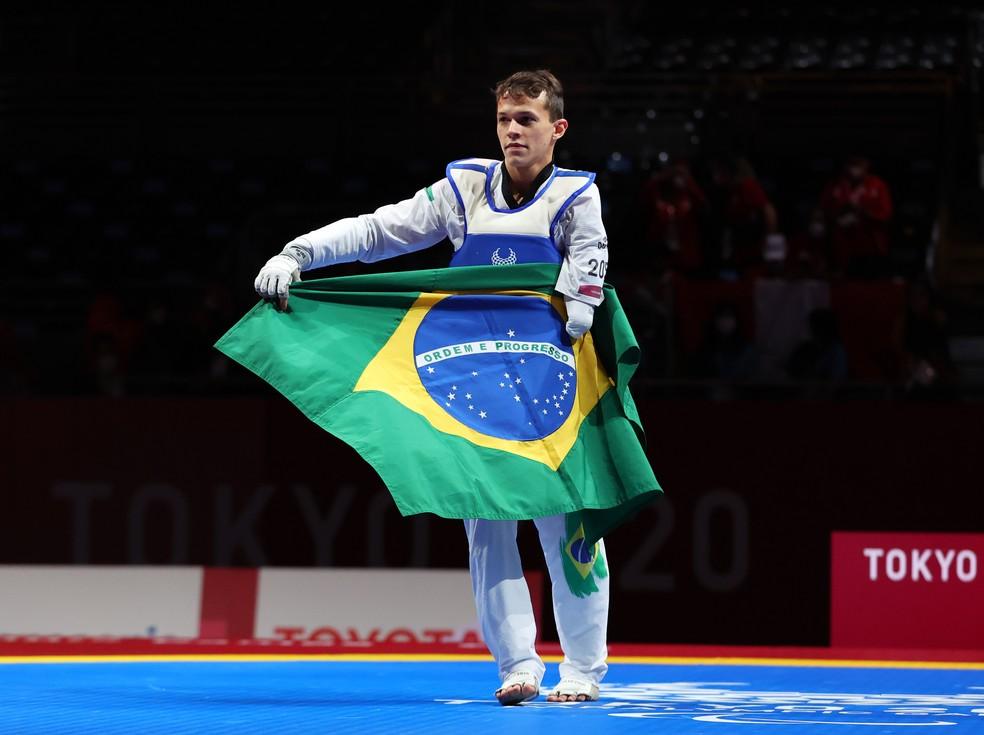 Nathan Torquato conquista o ouro no parataekwondo — Foto: THOMAS PETER/Reuter