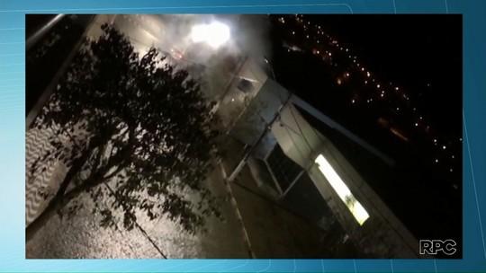 Bandidos explodem caixas eletrônicos em Sengés
