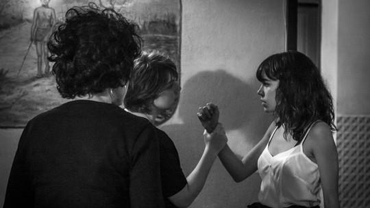 Maria e Valquíria brigam por Hermano: confira fotos inéditas dos bastidores de 'Onde Nascem os Fortes'