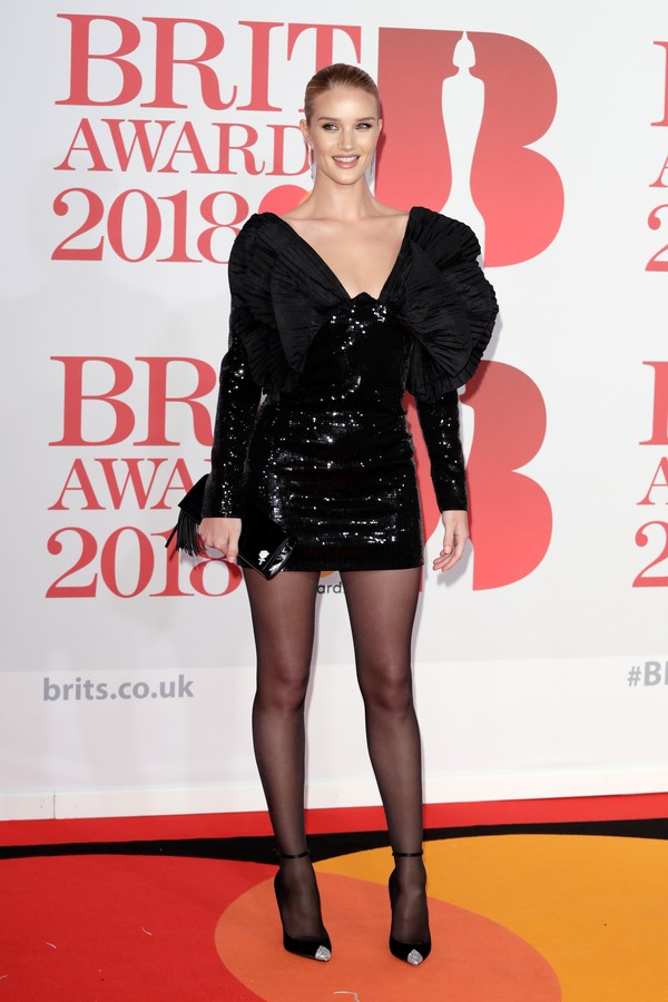 LONDON, ENGLAND - FEBRUARY 21:  *** EDITORIAL USE ONLY IN RELATION TO THE BRIT AWARDS 2018***  Rosie Huntington-Whiteley attends The BRIT Awards 2018 held at The O2 Arena on February 21, 2018 in London, England.  (Photo by John Phillips/Getty Images) (Foto: Getty Images)