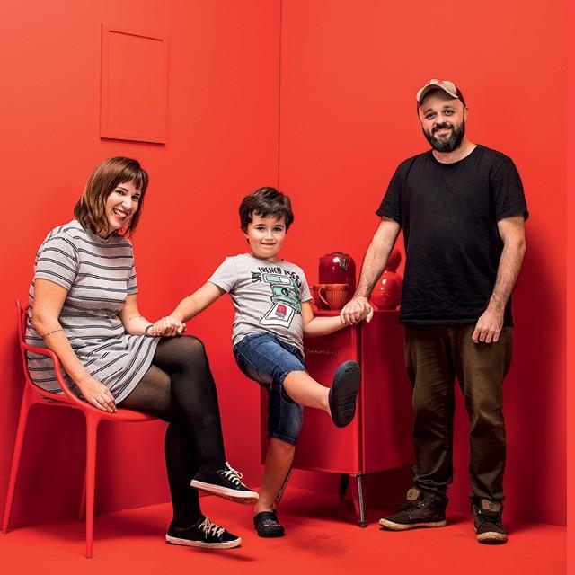 Larissa Marques, Miguel, de 6 anos, e Luiz Gustavo Almeida foram uma família de pais separados. (Foto: Eduardo Svezia)