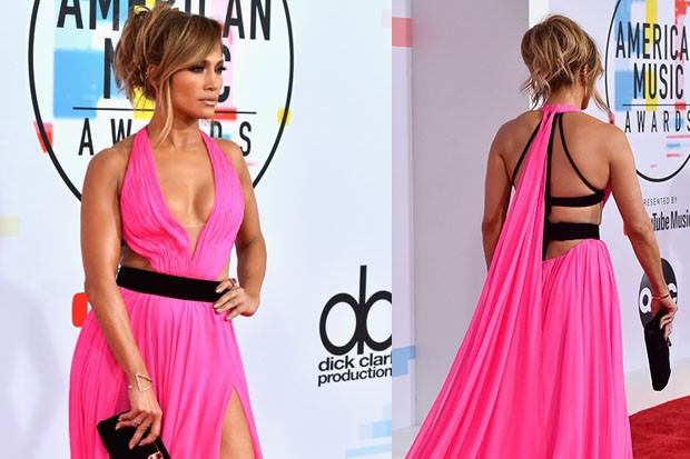 Jennifer Lopez no tapete vermelho do AMA (Foto: Getty Images)