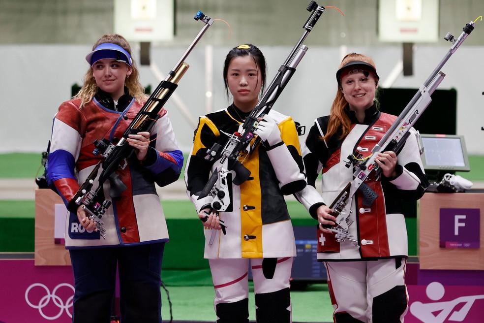 Russa, chinesa e suíça posaram para foto logo após a prova — Foto: Getty Images