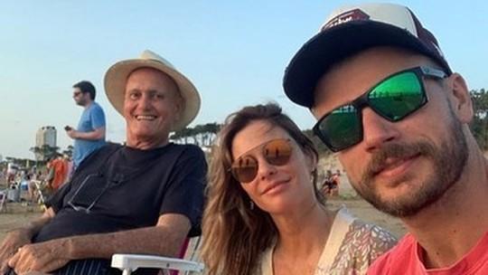 Fernanda Lima lamenta morte do pai e cita relação dele com Rodrigo Hilbert: 'Foi certamente um encontro de pai e filho'