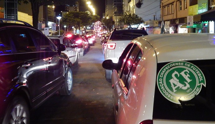 Chapecoense comemoração (Foto: Laion Espíndula)