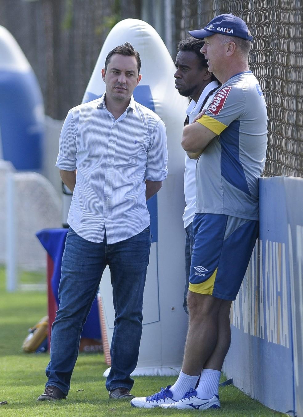 623dc58e7 ... Bruno Vicintin, Klauss Câmara, Tinga Cruzeiro — Foto: Washington Alves/  Cruzeiro